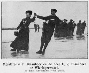 27 januari 1909 – Wedstrijden op ijsbaan De Quint. Mejuffrouw T. Blaauboer en de heer C.R. Blaauboer – 1e prijs schoonrijden voor paren.